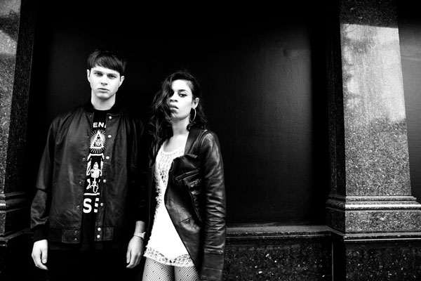 AlunaGeorge_Press_Shots_001_FionaGarden_B_W